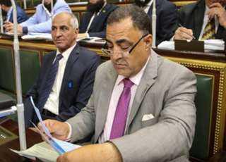 """""""عجينة"""" تحت هجوم الأطباء.. البرلماني متهم بالثلاثة من البرلمان والنيابة والنقابة بالتعدي على الأطقم الطبية"""