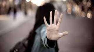 """""""حتى لو مشيت بلبوص"""".. محامي: لا يجوز التحرش بالمرأة"""