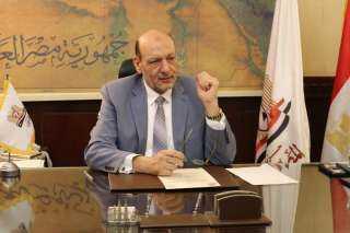 """رئيس حزب """"المصريين"""": السيسي أول رئيس مصري يهتم بالشباب ويشركهم في إدارة البلاد"""