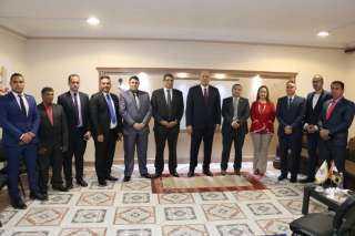 """رئيس حزب """"المصريين"""" يفتتح مقر الأمانة العامة بالجيزة"""