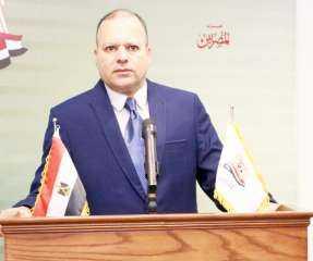"""قيادى بحزب """"المصريين"""": الذين يبكون على تصفية الشركات الخاسرة """"أبطال من ورق"""""""